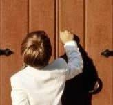 tocando la puerta